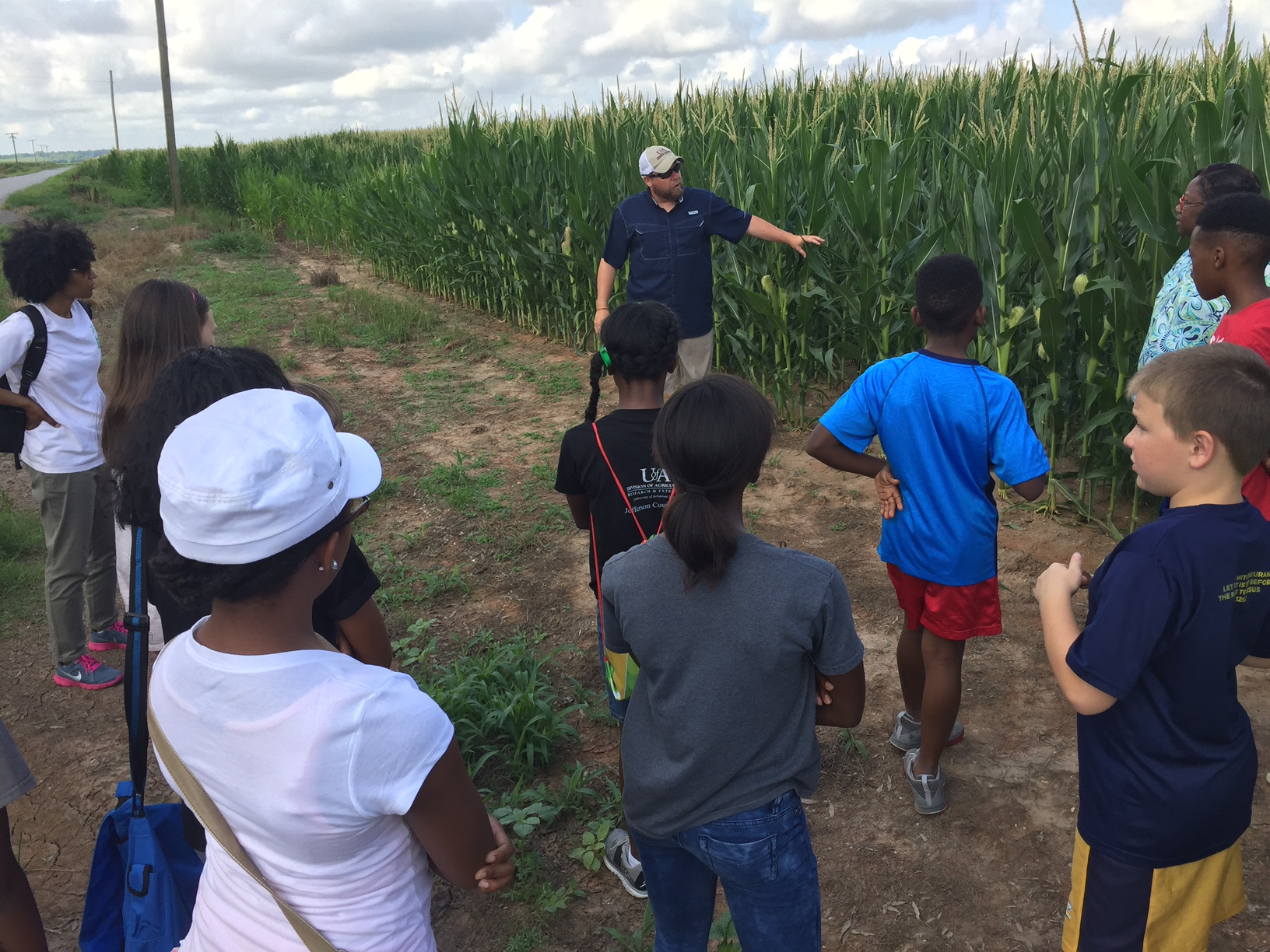 Youth participating in Jefferson County Ag Tour