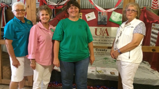 Master Gardeners help the agent at the county fair