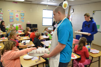 Southside FCS Class serving the Elementary grades Healthy Smoothies